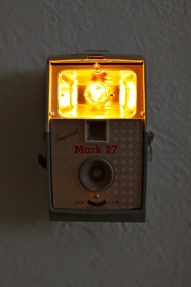 Imperial-Mark-27-camera-antiga-luminaria-sucata